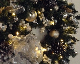 Lighted wreath,  Christmas Wreath, Gold, Silver, Wreath, Cordress, Timerd Light, Artficial,