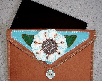 ON SALE Wool Felt Tablet Carrying Case in Cinnamon Floral