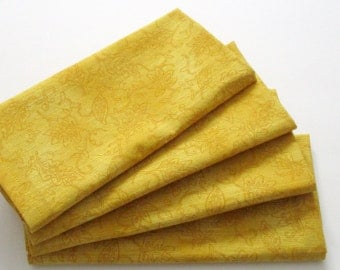 Large Cloth Napkins - Set of 4 - Yellow Gold Botanical Leaves - Dinner, Table, Everyday, Wedding