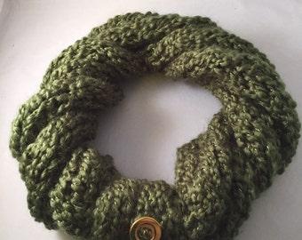 Scarf Moss Green Infinity, girlfriend, mother, gift, warmth, yarn