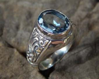 Bali silver ring patra motif with blue topaz stone