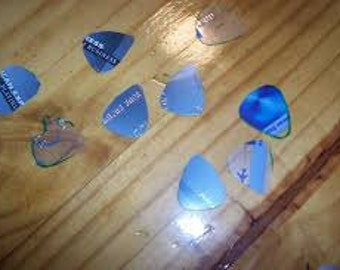 New Assorted Guitar Picks Made from Recycled Plastic Cards (Blue Only)