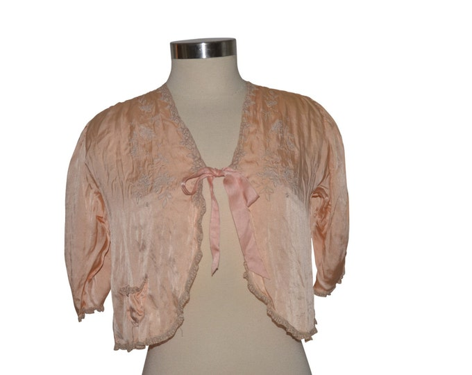 1920s Peach Silk Lace Bed Jacket
