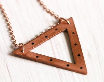 Delicate textured triangle copper necklace // geometric pendant // minimalist layered jewelry // everyday style