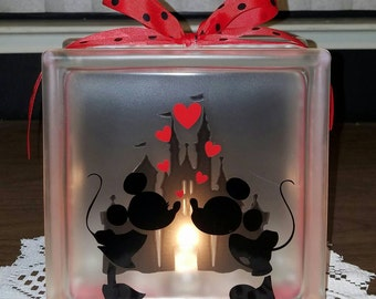 DISNEY'S MICKEY & MINNIE Mouse Kissing Lighted Glass Block Nightlight and Decor