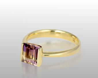 AMETRINE SOLITAIRE RING in 18k Gold | Amethyst Citrine Bicolor Gemstone Ring | Contemporary, Unique 18k Gold Fashion Ring with Ametrine