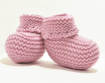 Pastel pink baby booties / Warm baby booties / Knitted baby booties / Booties for a boy / Booties for reborn baby doll