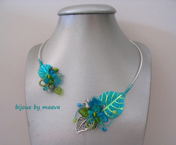 Costume jewelry necklace woman turquoise blue and green leaf for Turquoise colored fashion jewelry