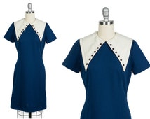 Vintage 1960s dress // 60s mod dress with exaggerated collar