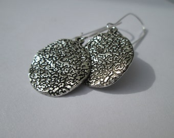 Wavy Hammered Disc Earrings