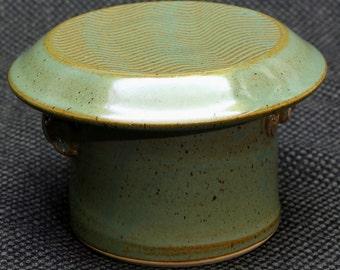 Butter Keeper in Kiwi Glaze