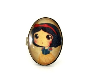 """Ring cabochon glass oval vintage """"snow white and his Apple"""" retro brass"""