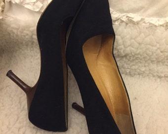 Gucci black velvet pumps suze 9M