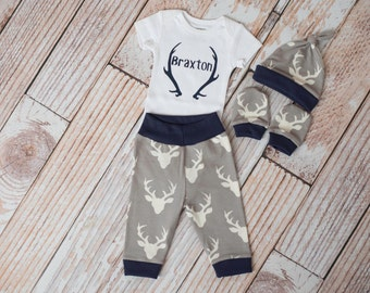 Newborn Personalized Baby Deer Antlers/Horns Bodysuit, Hat, Scratch Mittens Set with Navy Trim + Name and Antlers Bodysuit