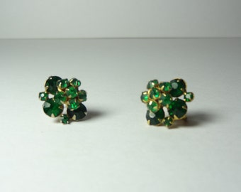 Vintage Emerald Green Rhinestones and Gold Tone Screw Back Floral Design Earrings