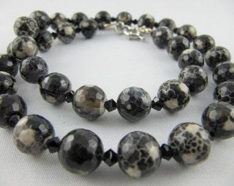 Necklace agate black (E04)