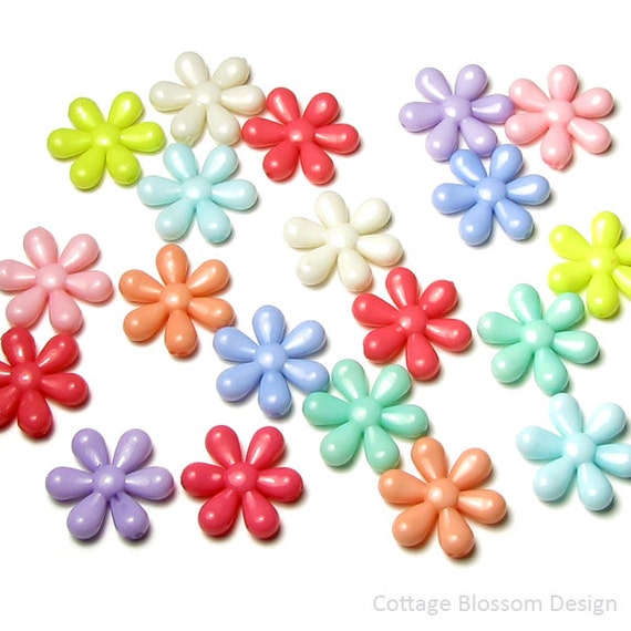 Pastel Purple Pink Green Blue Timber Wood Look: Daisy Beads, 20 Pieces, Small Pastel Flower Pink Blue Mint