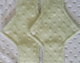 Set of 2 regular flow minky pads