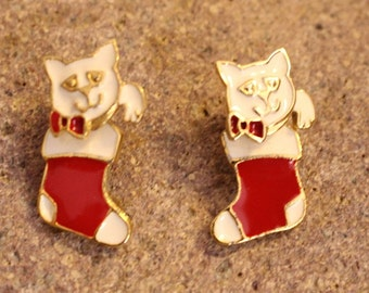 Vintage Articulated Moving Cat Earrings Marked AIM Gold Tone Enamel Cat in Stocking Christmas