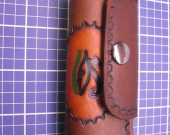 Elegant Keys Holder with Single Key post. handcraft Veg-tanned leather Key case