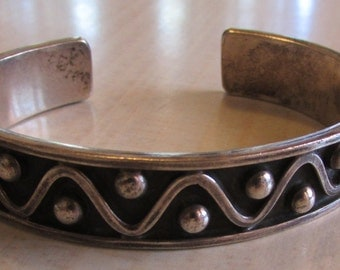 Great Looking Mexico Sterling Silver Cuff Bracelet