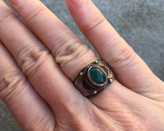 Green stone ring -- 190