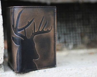 DEER TRIFOLD Leather Wallet•PERSONALIZED Mens Wallet•Trifold•Monogram•Mens Gifts•Deer Hunter Gift•Anniversary Gift•Groomsmen Gift