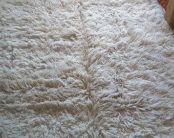 6.9' x 4.6' Flokati Hand-woven Natural Sheep Wool Off white Shaggy rug