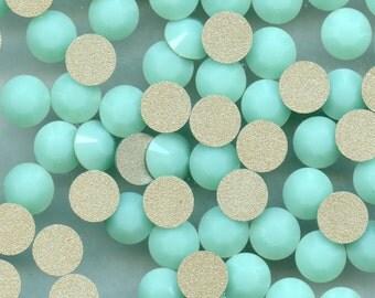 2028 SS34 MA*** 8 Swarovski rhinestones flat back SS34 (7,2mm) mint alabaster