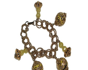 NO SHIPPING CHARGES......Gold Tone Bracelet with Yellow Beads            1711