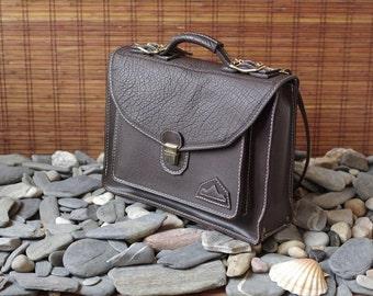 schoolbag, briefcase, briefcase, computer bag, brown leather
