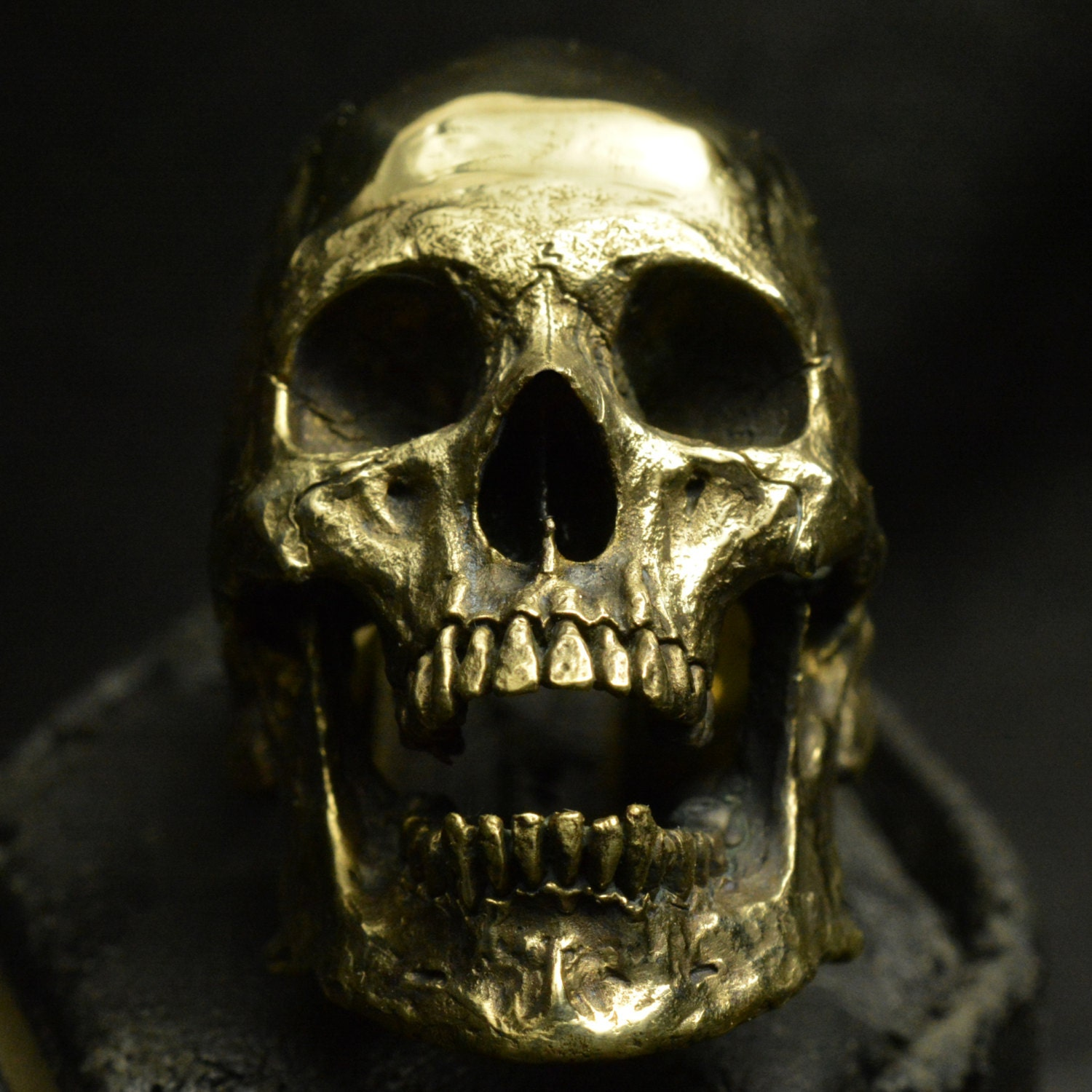 into the jewelry into the jewelry skull ring brass large open jaw no 4796