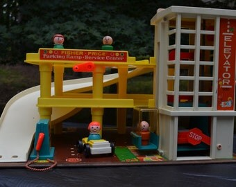 Fisher Price Play Family Action Garage