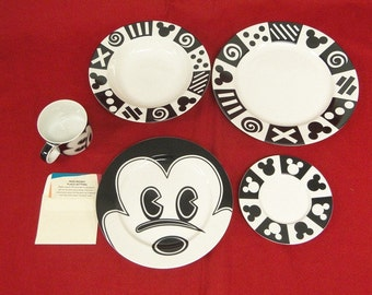 Disney Dimensions Art Mod Mickey Dinnerware 5 Piece Place Setting