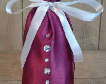 Cranberry satin wine bag with bling down the front!