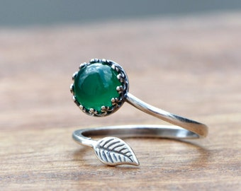925 Sterling Silver Ring mit Chalcedony & Leaf
