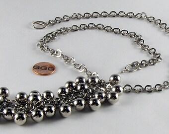 Necklace - Silver Chain & Metallic Balls (N031)