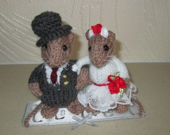taxidermy mouse wedding cake topper items similar to together furever custom taxidermy mice 20767