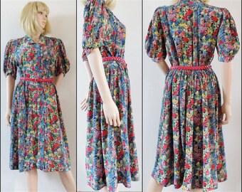 French midi tea dress pretty floral 70s summer dress button front dress medium