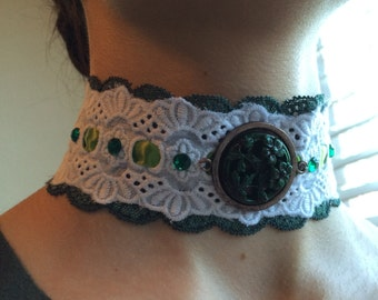 Simple green pendant and green lace choker necklace