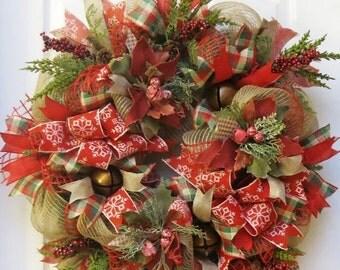 ON SALE Rustic Christmas Wreath, Jingle Bell Wreath, Burlap Christmas Wreath, Deco Mesh Christmas, Winter Wreath, Rustic Holiday Wreath, poi