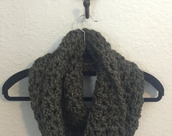 Cozy Wool Infinity Scarf - Forest