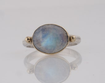Moonstone solitaire ring,14k gold moonston cabochon ring,gold and silver gemstone ring,bezel moonstone ring,hand made solitaire ring