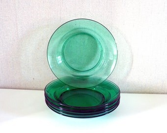 Vintage green plates ARCOROC made in France.