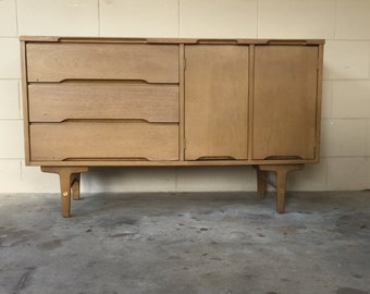 Mid Century Modern sideboard – 1950s vintage credenza – retro bar