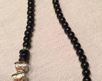 Necklace -- Everyday Elegance -- Black & Silver