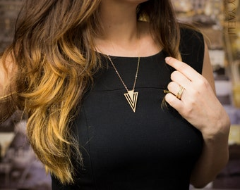 Arrow necklace, triangle necklace, Geometric necklace, gold triangular necklace, gold V necklace, everyday necklace, unique necklace, 14K.