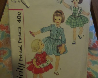 Simplicity Printed Pattern 40c 3132 Child Size 4 Dress