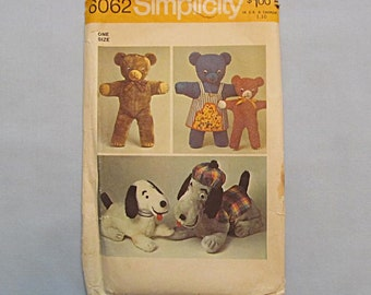 Sewing Pattern, Teddy Bear and Cute Dog Toy, Simplicity 6062, Dated 1973, Complete, Unused
