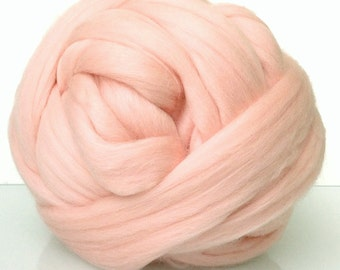 Fine Merino Wool Top Sliver, 19 microns, Combed wool. For needle and wet felting. Wool for weaving. Light pink, Baby pink, Powder pink.